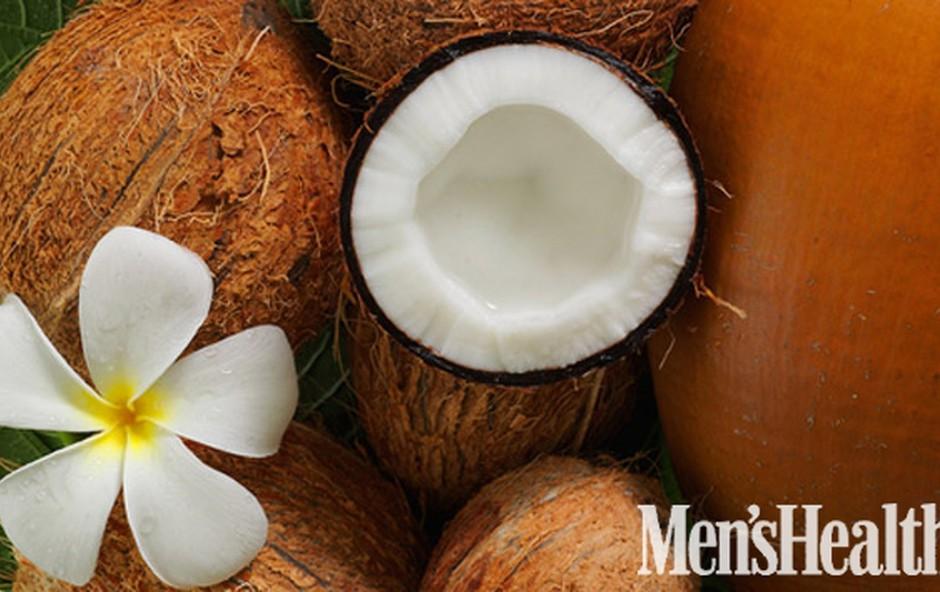 Proteinskim šejkom dodajte nesladkano kokosovo mleko in jih tako prehransko in kulinarično obogatite. Kokosovo mleko poiščite na policah z eksotičnimi živili