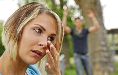 Kako ravnati v napetih situacijah: Se vmešavati ali ne?