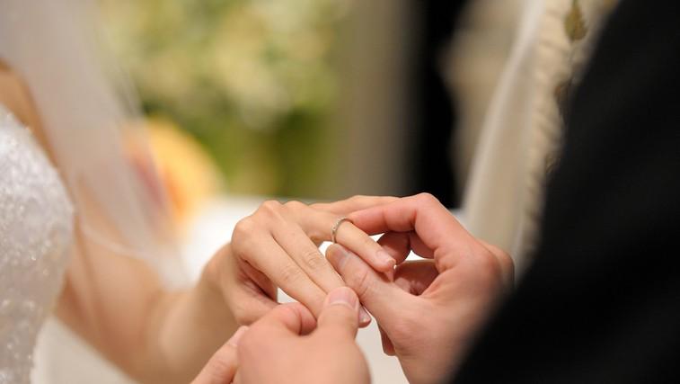 Vse več je mladoporočencev, ki jih poročni zvonovi niso najbolj razveselili. (foto: Shutterstock.com)