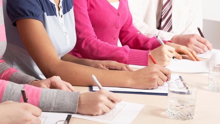 Izbira je vaša: tablete proti bolečinam ali telesna aktivnost (foto: Shutterstock.com)