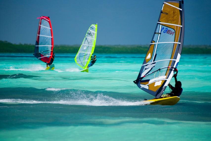 Deskanje na vodi - Boj z vetrom in valovi