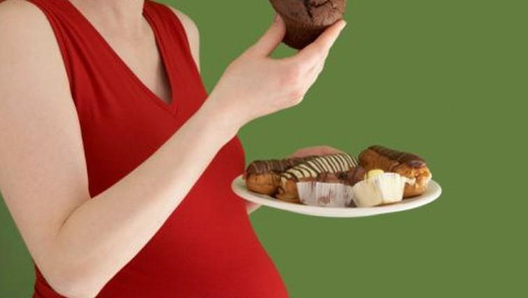 Nosečnice, ne jejte za dva! (foto: flickr.com)