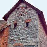 Ena najstarejših hiš (foto: Klara Kaučič)