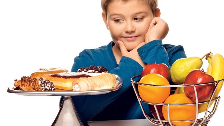 Zdravo grizljanje med obroki (foto: Shutterstock.com)