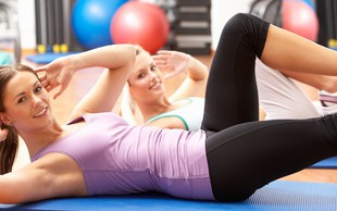 Domači program vadbe za trebuh, zadnjico in noge