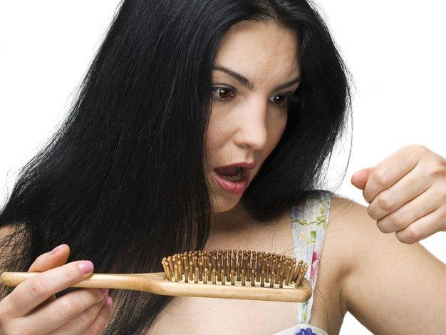 Jesensko izpadanje las je lahko posledica tudi tesnobe in stresa - Foto: Shutterstock.com