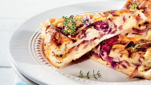 Francoski kolač z rdečo čebulo (foto: Arhiv Burdy)