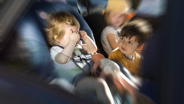Potovalna slabost in otroci (foto: Shutterstock.com)
