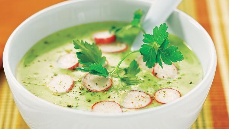 Kremna juha iz krompirja in redkvice (foto: Arhiv revije Lisa)