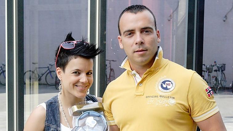 Zmagovalec natečaja Pogon na adrenalin Marjan Glasnovič je nagrado prevzel s svojo punco Natašo Kirn. (foto: Aleš Pavletič)
