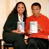 Ali in hčerka Hana Yasmeen ob izidu avtobiografije 'My Life'.
