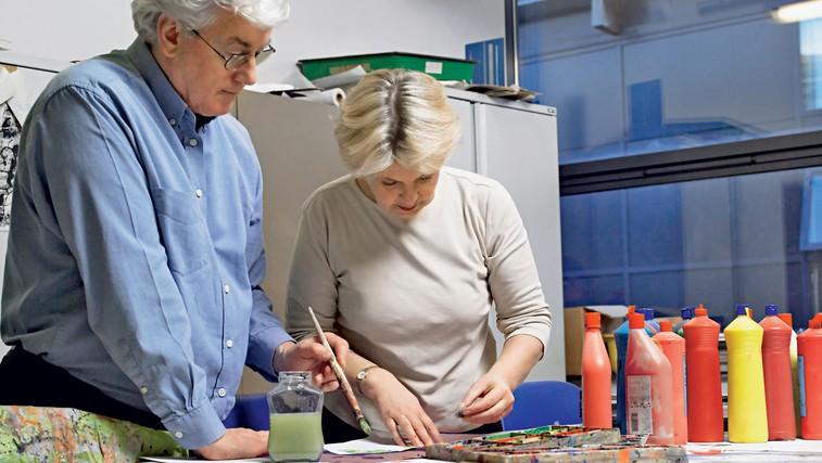 Učenje ni samo za mlade! (foto: Shutterstock.com)
