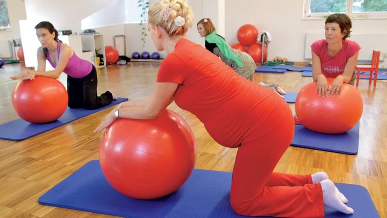 Plesna priprava na porod (foto: Goran Antley)