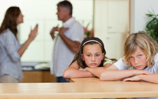 Ko starša pozabita, da imata otroke