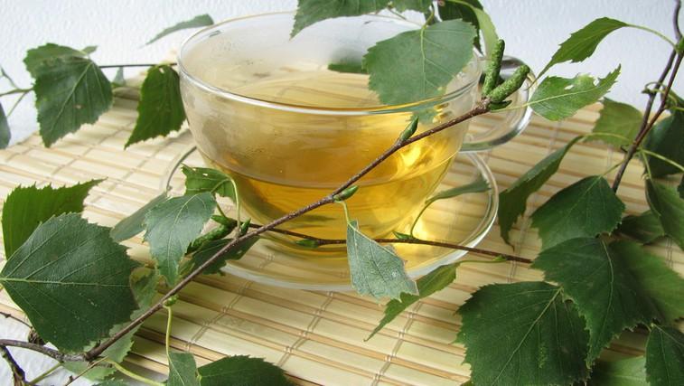 Brezov čaj - čisti in pomaga pri odpravljanju celulita (foto: Shutterstock.com)