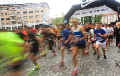 Študentski tek na grad preplavilo 1.600 tekaških navdušencev