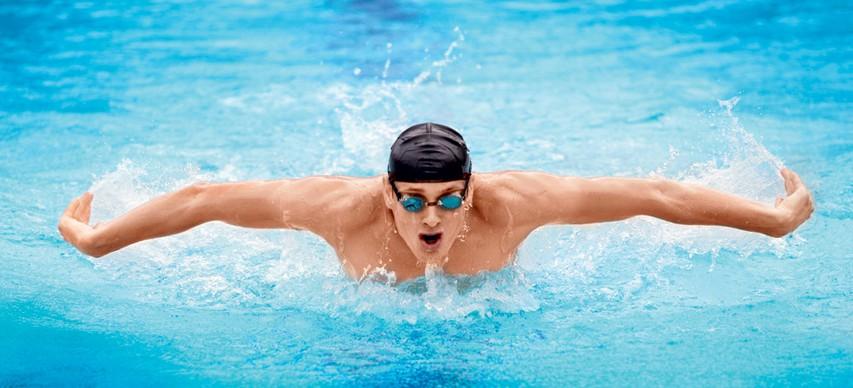 Kako se izogniti poškodbam pri plavanju?