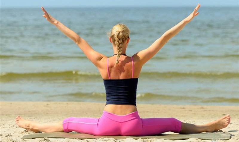 Poleti lahko spremenite rutino. Trening preselite na plažo, trim stezo, travnik, sprehajalno pot...