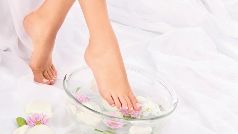Lepe in negovane noge v sedmih korakih (foto: Shutterstock.com)