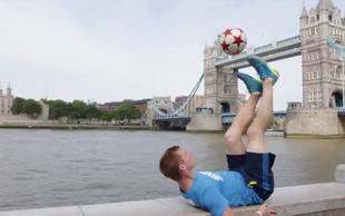 Video: Neverjetni nogometni triki prvaka v freestyle nogometu
