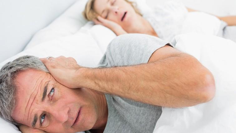 Prva pomoč proti smrčanju (foto: Shutterstock.com)