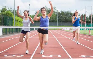 Zakaj nas v mišicah peče, kadar se močno naprezamo?