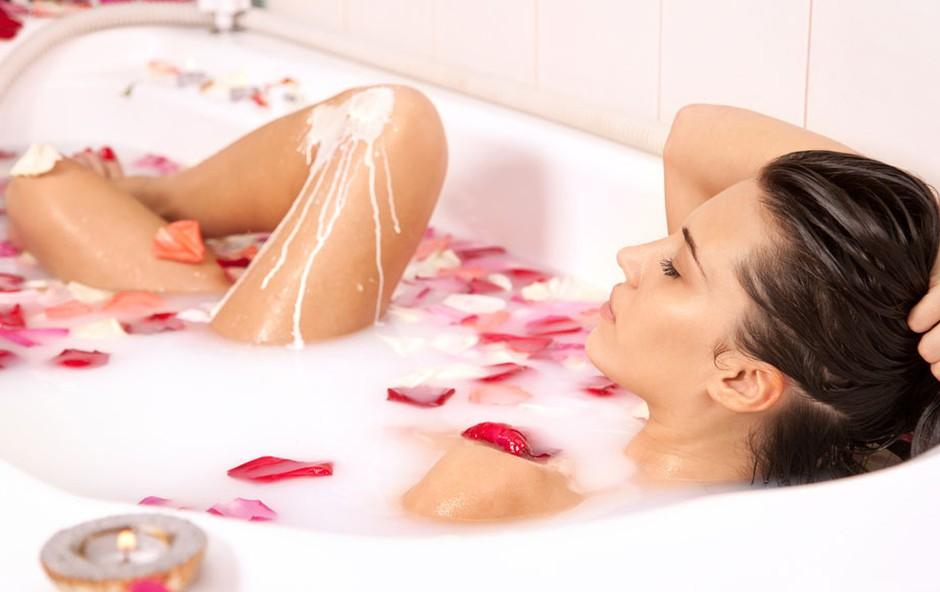Mlečna kopel - odpravi stres in neguje (foto: Shutterstock.com)