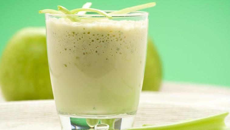 Kisli jabolčni smoothie za lepo kožo (foto: Shutterstock.com)