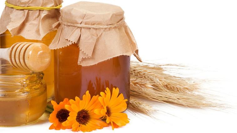 Zdravilne in negovalne lastnosti medu (foto: Shutterstock.com)