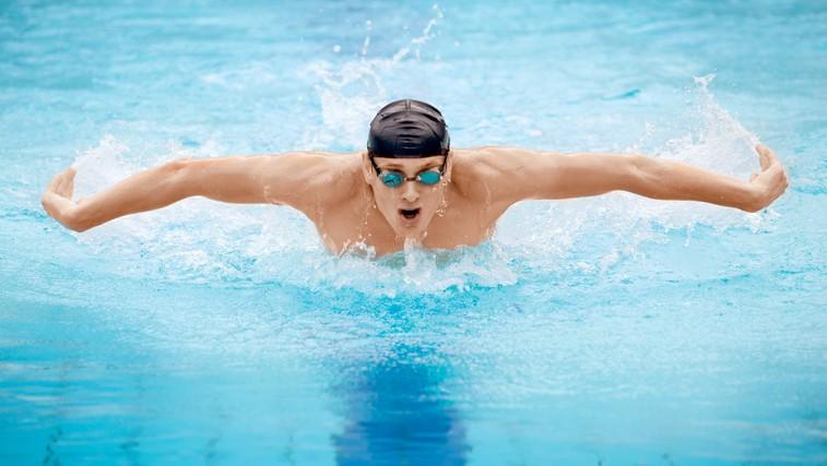 Plavanje namesto teka (foto: Shutterstock.com)
