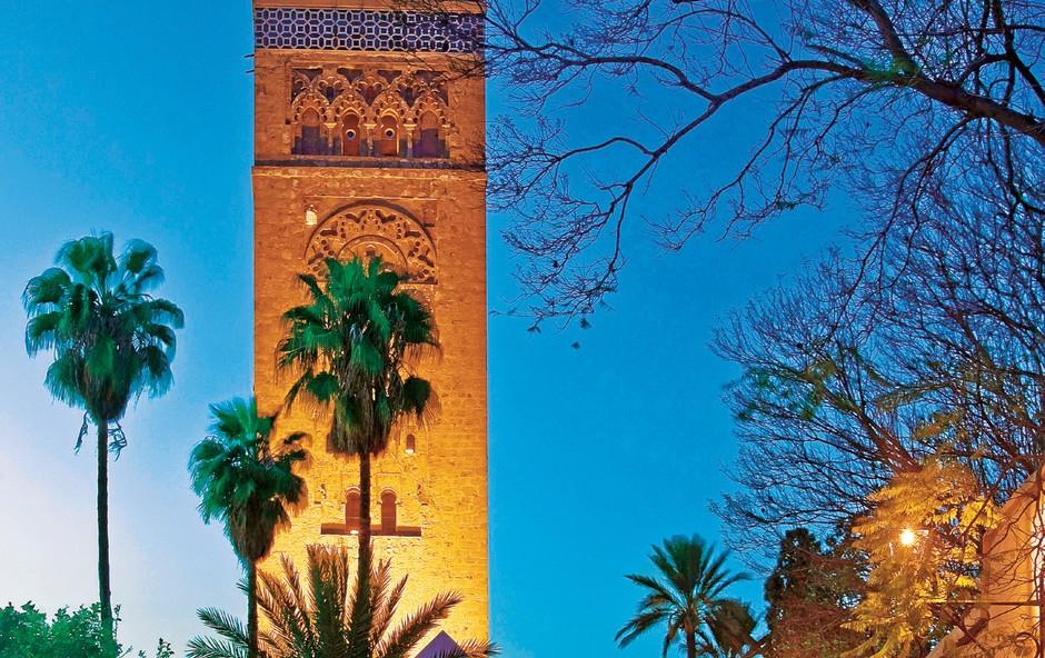Mistično v večernem siju: minaret mošeje Koutoubi je simbol mesta. (foto: promocijski materijal)
