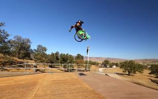 Navdušujoč freestyle video - z invalidskim vozičkom