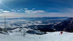 http://en.wikipedia.org/wiki/File:Krvavec_Panorama.jpg