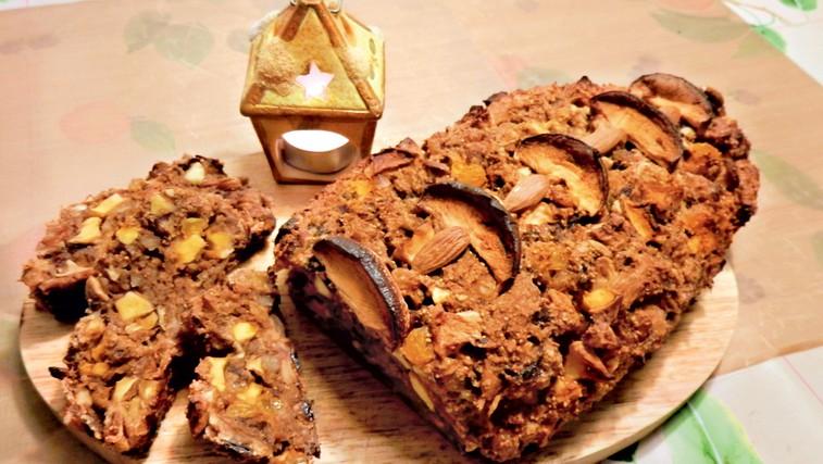 RECEPT: Božični sadni kruh