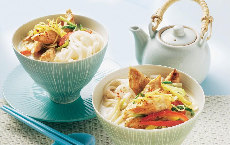 Kokosova juha s testeninami (foto: stockfood photo)
