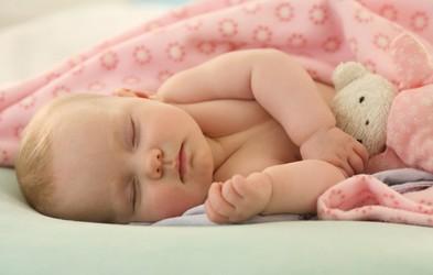 Imate občutek, da vaš otrok premalo spi?