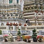 Posebni detalji in kipci v khmerskem slogu - tempelj Wat Aroon (foto: profimedia)