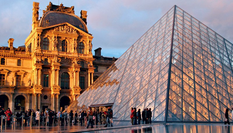 Muzej Louvre, Pariz, Francija