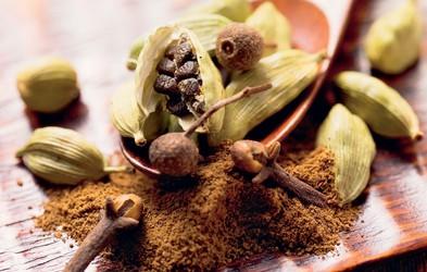 Kardamom (Lat. Elettaria cardamomum): Tretja najdražja začimba na svetu