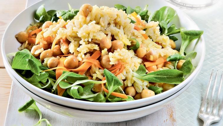 Recept: Kari riž s čičerko in korenjem (foto: Arhiv revije Čarovnija okusa)