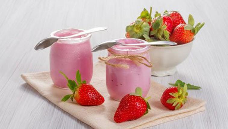 Sadni jogurt - kako zdrav je v resnici? (foto: Profimedia)