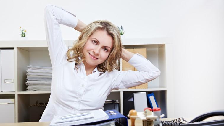 Preproste vaje, ki jih lahko izvajate v pisarni (foto: Shutterstock.com)