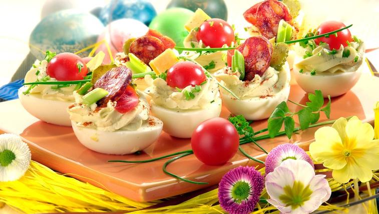 Recept: Polnjena jajčka - s fino zeliščno kremo (foto: Profimedia)