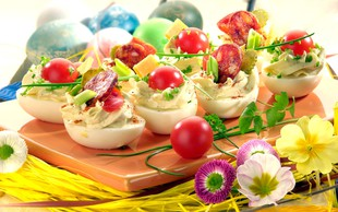 Recept: Polnjena jajčka - s fino zeliščno kremo