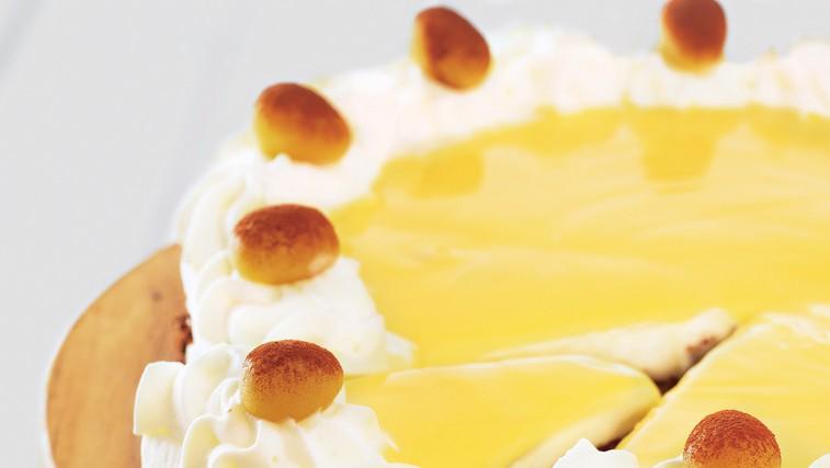 Torta z jajčnim likerjem (foto: stockfood photo)