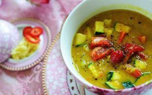 Recept: Indijski dal in poširan piščanec