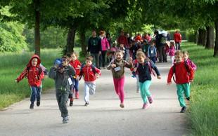 Foto: 7.059 otrok odprlo 58. pohod Pot ob žici