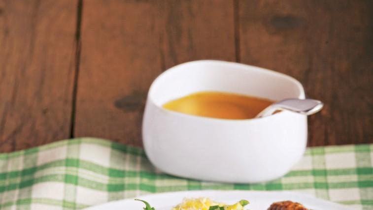 Zeliščne polpete s krompirjevim pirejem (foto: stockfood photo)