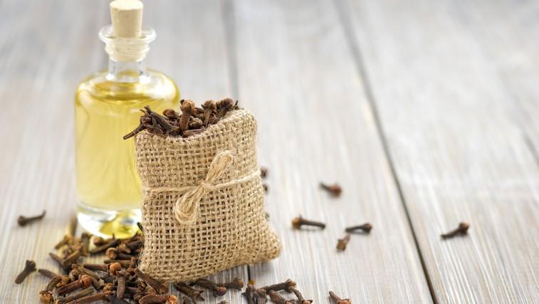 Naravna sredstva proti bolečinam  (foto: Shutterstock.com)