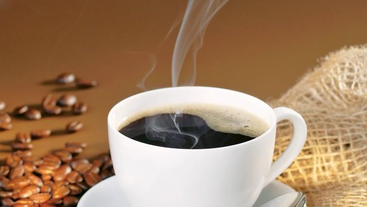 Vrača se 'na roke' skuhana kava (foto: stockfood photo)